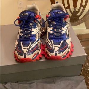 Balenciaga beige/blue/red track 2 sneaker